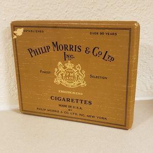 Vintage Phillip Morris English Cigarette box/case